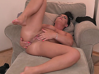 Real older mother craves hard dick now